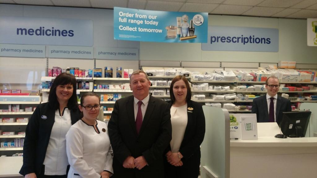 Alex Rowley meeting up with Boots staff in Cowdenbeath